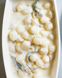 creamed-onions-with-sage-m109160.jpg