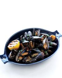 grilled-mussels-0611med107092hyt.jpg