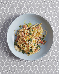 spaghetti-with-tuna-036-md110958.jpg