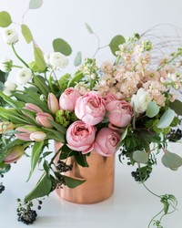 A Stunning Spring Flower Arrangement That'll Awe All Your Friends