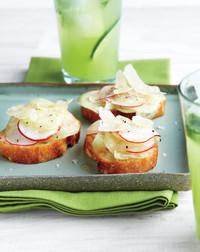 cucumber-radish-0611meed107092sea.jpg