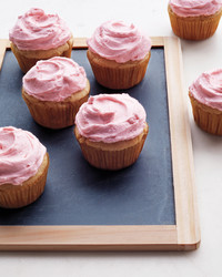 lemon-yogurt-cupcakes-014-d111260.jpg