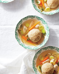 matzoh-ball-soup-037-d112763-0416.jpg