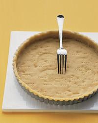 press-in-pie-crust-0105-mea101132.jpg