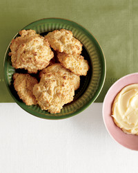 buttermilk-corn-buscuits-med107742.jpg