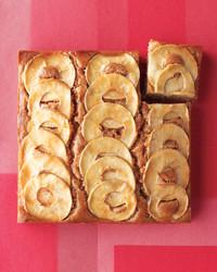 desserts-apple-cake-med108749-001c.jpg