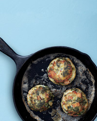 mashed-potato-kale-cakes-med107616.jpg