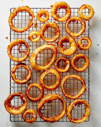 beer-battered-onion-rings-102882421.jpg
