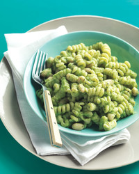 white-bean-broccoli-pesto-med107845.jpg