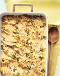 creamy-shells-tuna-spinach-med108019.jpg