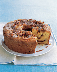 sour-cream-coffee-cake-0305-mea101198.jpg