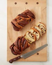 cinnamon-raisin-swirl-bread-378-d112925.jpg