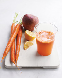 3 Easy Carrot Juices to Kick-Start Your Day