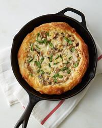 wild-mushroom-skillet-pizza-476-d112925.jpg