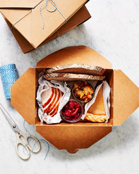 How to Pack Thanksgiving Leftovers with Style