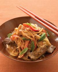 coconut-beef-curry-noodles-1007-med103160.jpg