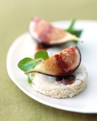 gorgonzola dolce with figs and port