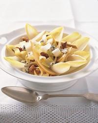 ml305c2_0503_endive_pears_walnuts_roquefort.jpg