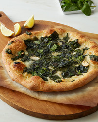 spinach-and-three-cheese-pizza-1111-d112925.jpg