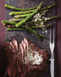 asparagus-and-flank-steak-sliced-251-d112244.jpg