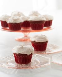 martha-bakes-red-velvet-cupcakes-204-d110936.jpg