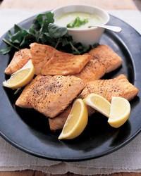 ml205b1_0502_seared_salmon_creamy_leek_sauce.jpg