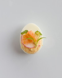 smoked-salmon-radish-deviled-eggs-1127-d111028.jpg