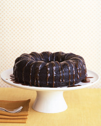 chocolate ginger cake with boubon sauce