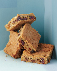 desserts-chocolate-cherry-blondies-med108749-001a.jpg
