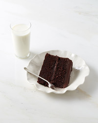 fudgy-devils-food-cake-with-chocolate-ganache-363-d112925.jpg