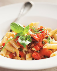 martha-cooking-school-pasta-sauces-puttanesca-cs2004-0426.jpg