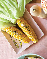 corn-on-the-cob-with-olive-oil-and-pepper-099-d107417-0615.jpg