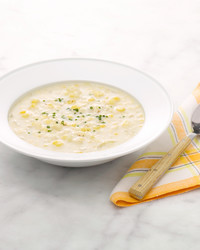 martha-stewart-cooking-school-corn-chowder-am-506-d110633-20130923.jpg