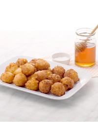martha-stewart-cooking-school-corn-fritters-am-473-d110633-20130923.jpg