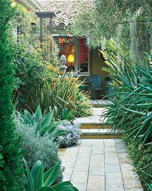 Garden Tour: Small-Scale Garden