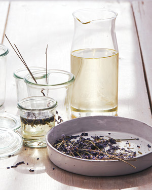 8 Natural Ways to Make Your Home Smell Like Spring
