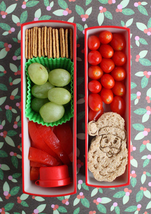 9 Cute Christmas Bento Boxes that Will Get Kids into the Holiday Spirit