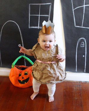 10 Little-Hands-Friendly Halloween Crafts for Toddlers