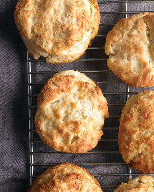 Easy Thanksgiving Bread, Biscuit, and Muffin Recipes