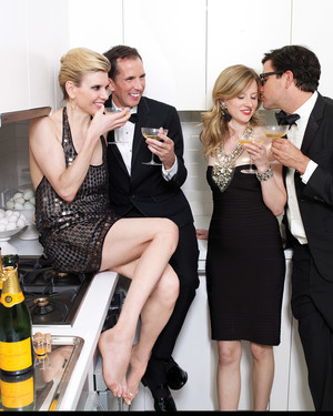 Cocktail Party Etiquette: 11 Things You Should Never Talk About Over Drinks