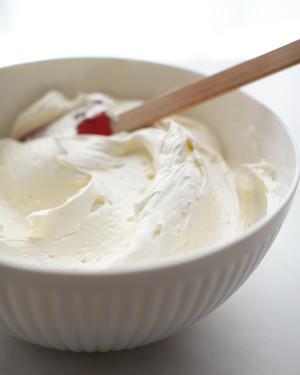 d108976-swiss-meringue-buttercream-015.jpg