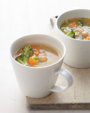 vegetable-miso-chickpea-soup-mbd108052.jpg