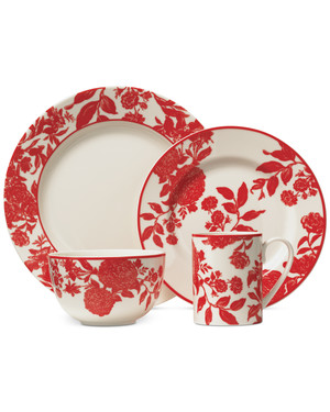 Set Your Holiday Table with the Martha Stewart Collection