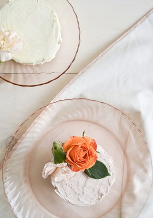 How to Make Simple Floral Cakes for Galentine's Day