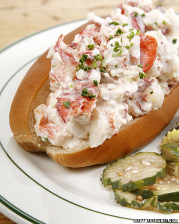 tvm2130_072407_lobsterroll