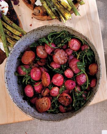 dinner-la-easter-radishes-d110200.jpg