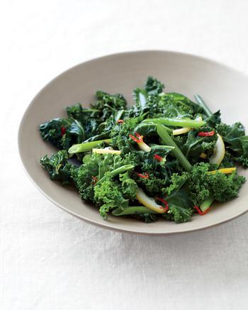 spicy-sauteed-kale-lemon-med107616.jpg