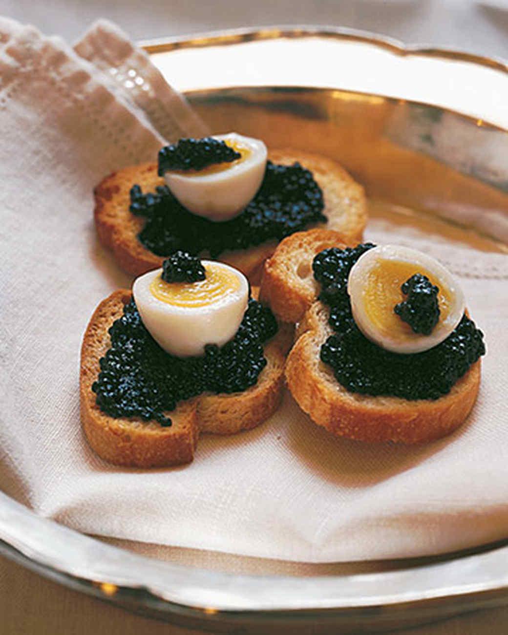 Quail eggs with caviar recipe martha stewart for Canape de caviar