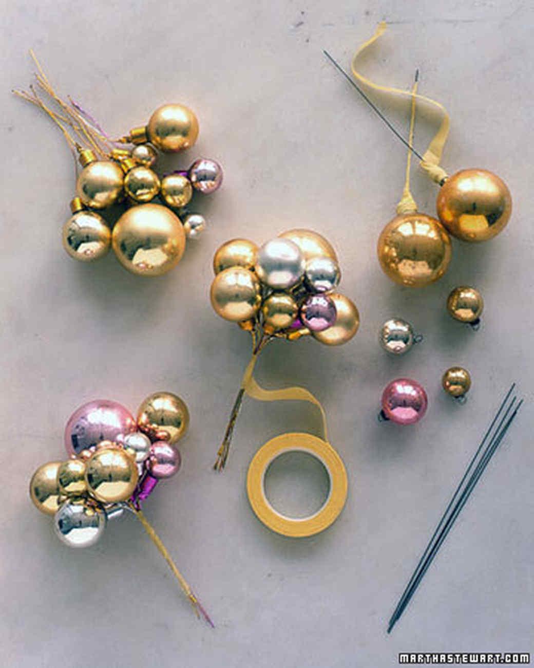 Гирлянды из ёлочных шаров своими руками