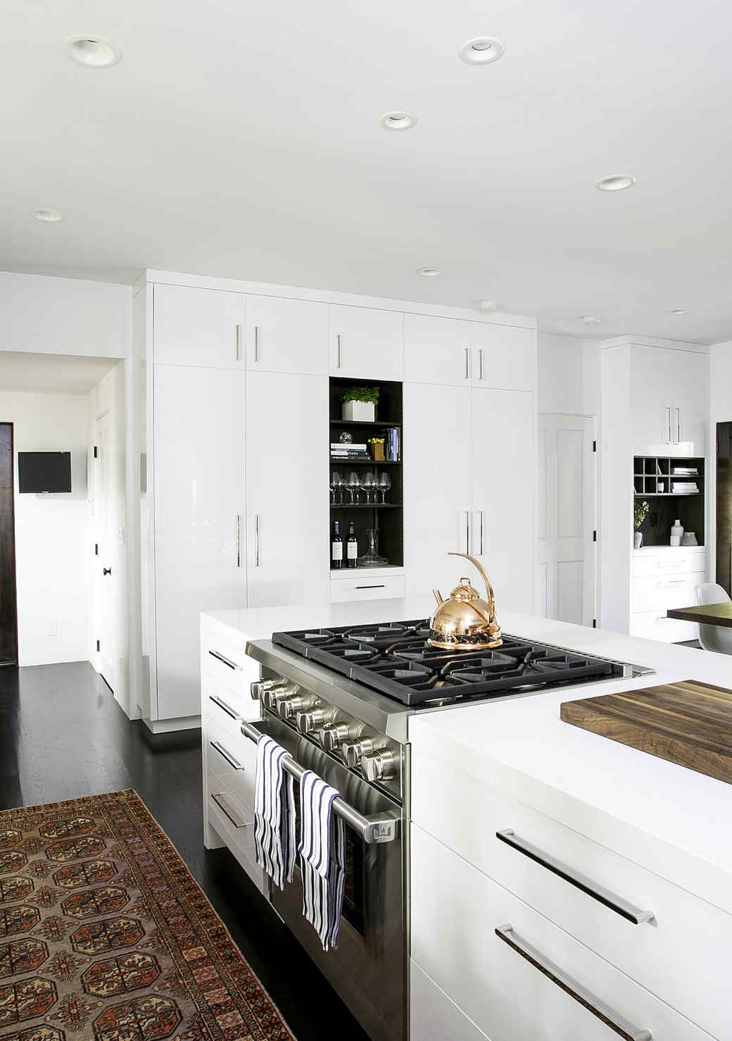 Kitchen Decor Ideas You Should Steal from Christina Applegate's Kitchen